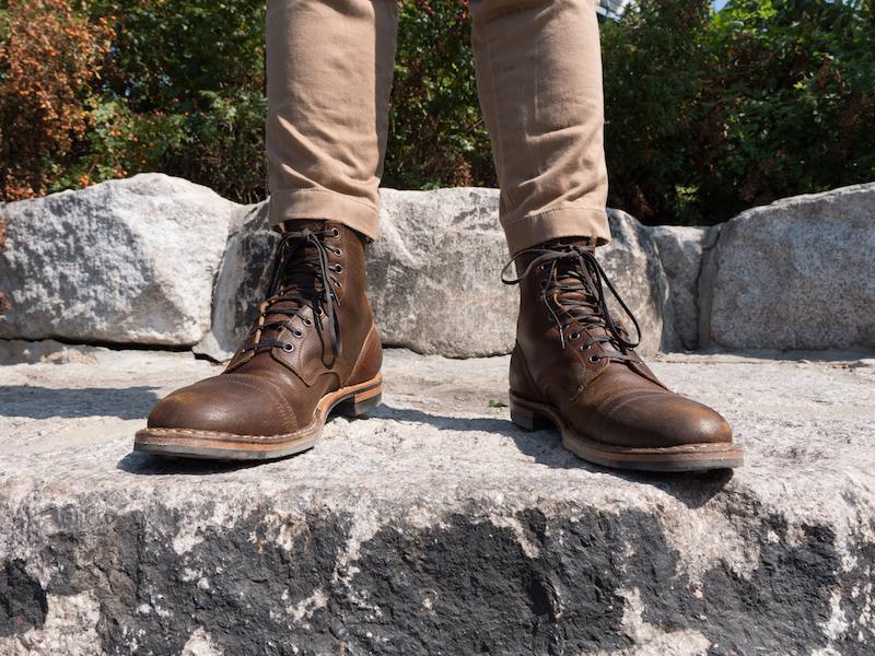 Whites Service Boot akimbo