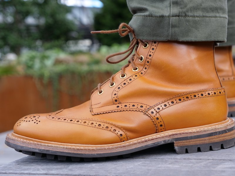 Trickers Stow Boot profile