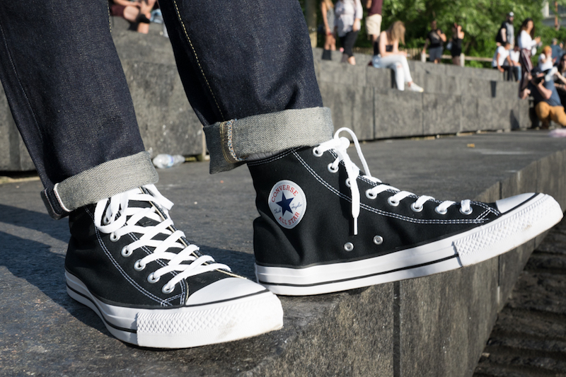 converse chuck taylor all star on foot