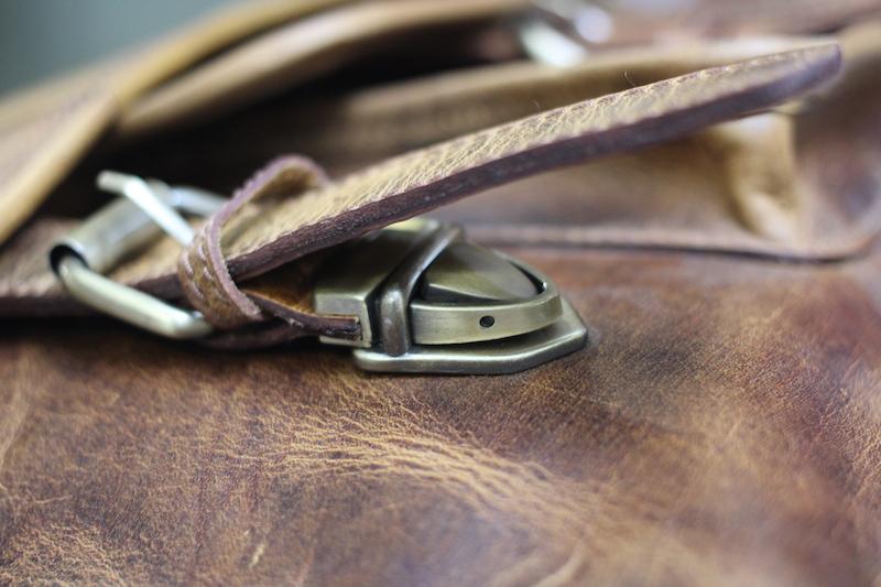 kodiak leather satchel buckle