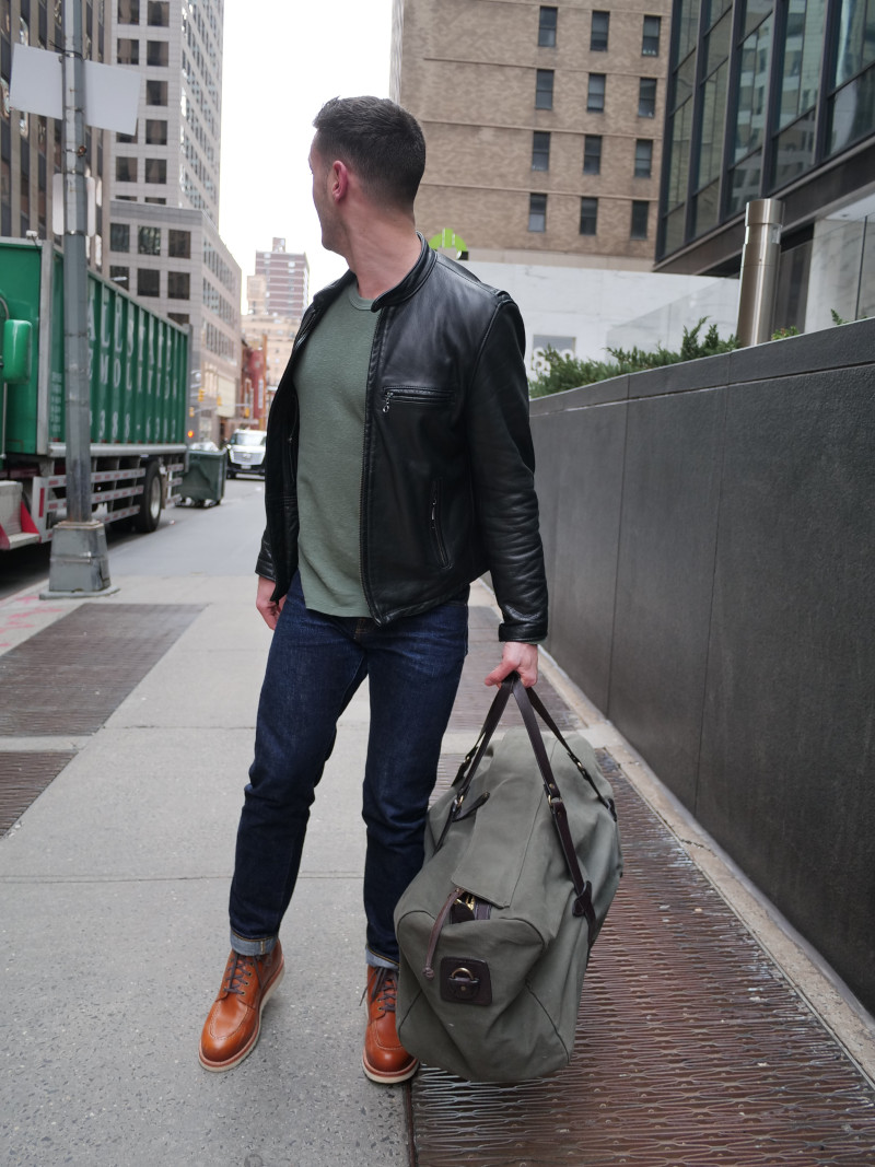Filson Duflle one handed carry