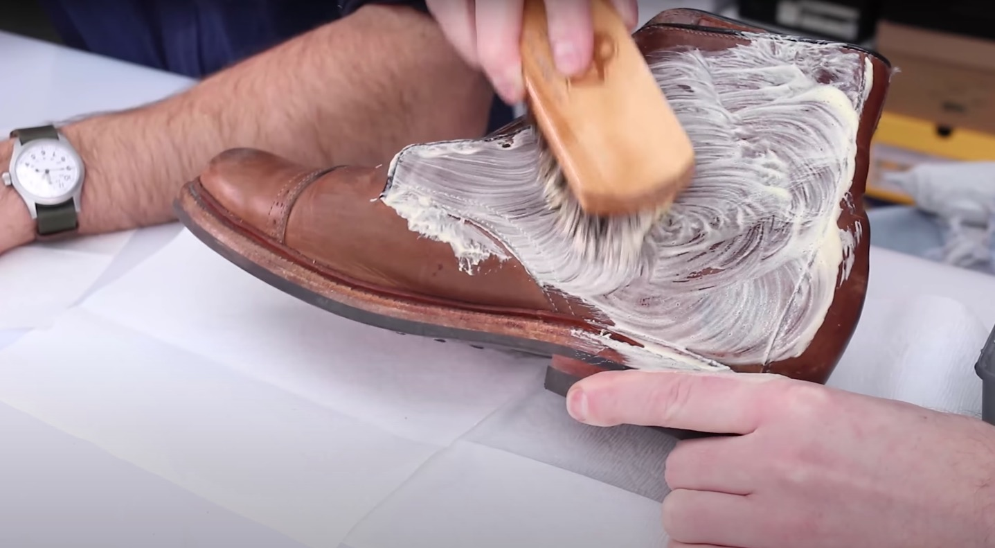 how to use saddle soap on boots