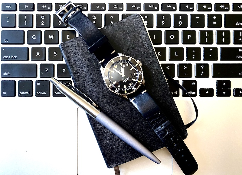 vaer d7 arctic swiss diver watch on keyboard