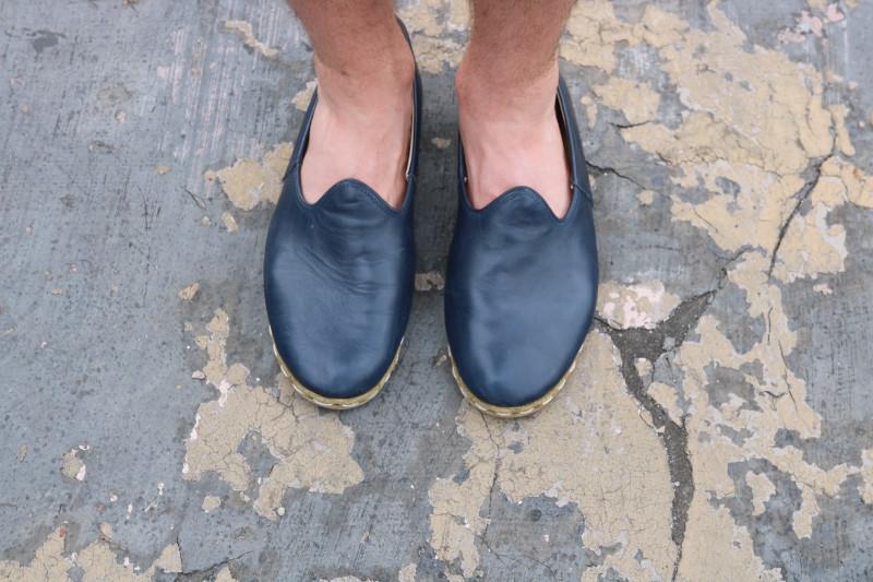 Sabah Shoe standing top