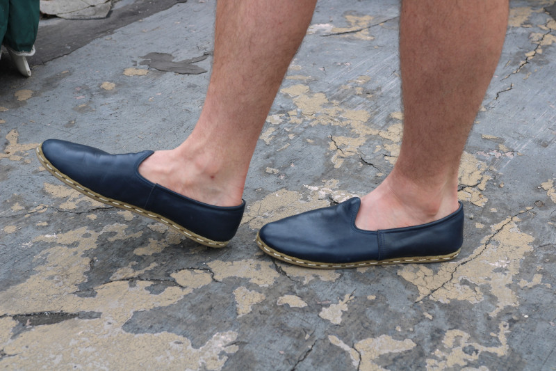 Sabah Shoe Standing Profile